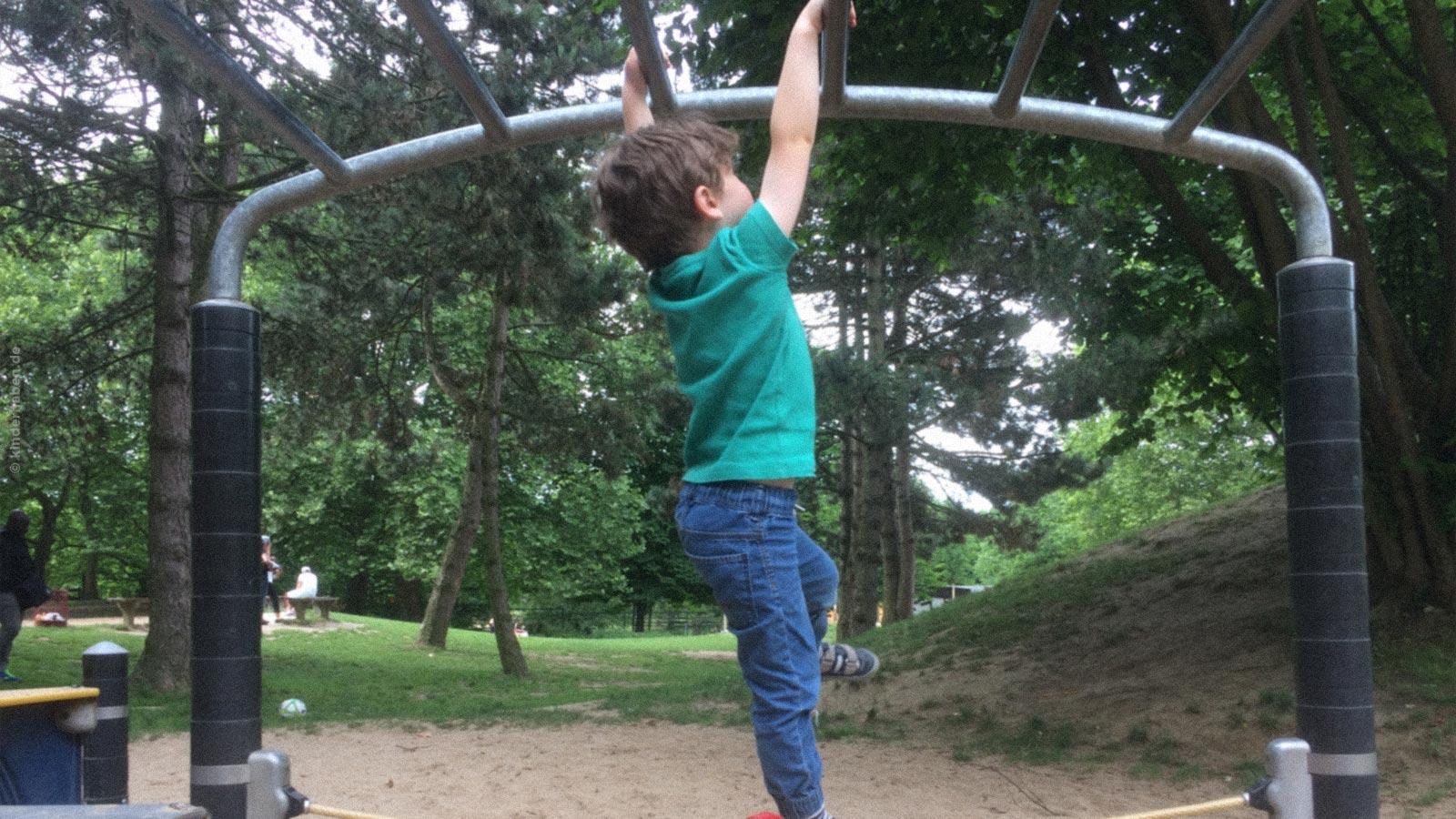 Kind Vom Klettergerüst Gefallen : Die erstaunliche beobachtungsgabe eines gefühlsstarken kindes